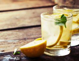 oui-il-est-possible-de-purifier-son-corps-en-buvant-de-leau-citronnee-tous-les-matins