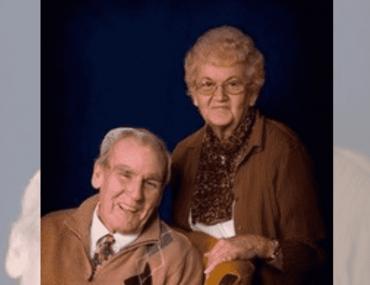 ce-couple-de-personnes-agees-meurt-a-quelques-minutes-dintervalles