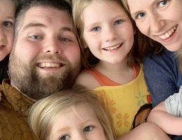 ce-papa-qui-a-survecu-a-un-accident-a-perdu-sa-femme-et-ses-enfants