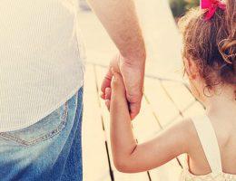 une-belle-mere-demande-comment-elle-peut-inciter-son-homme-a-se-debarrasser-de-son-enfant