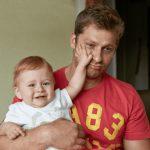 un-pere-plein-de-ressentiment-dit-quil-deteste-son-bebe-de-1-an-parce-que-sa-femme-est-decedee-a-cause-de-lui
