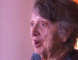 je-ne-suis-pas-mort-cette-femme-qui-pensait-que-son-bebe-etait-mort-pendant-69-ans-entend-sa-voix