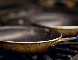 voici-comment-reperer-les-ustensiles-de-cuisine-qui-presentent-un-risque-pour-la-sante