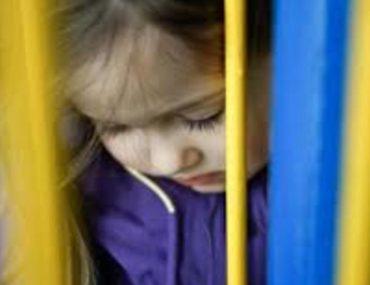 cette-mere-autorise-son-petit-ami-a-violer-ses-filles-de-1-et-4-ans-parce-quil-lui-a-promis-de-lepouser-si-elle-le-laissait