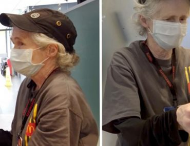 a-65-ans-elle-travaille-tous-les-jours-dans-un-fast-food-pour-la-recompenser-ils-lui-donnent-5000-euros-et-une-voiture
