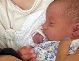 ce-bebe-de-trois-jours-est-mort-dans-le-lit-de-ses-parents-alors-que-sa-mere-venait-de-lallaiter